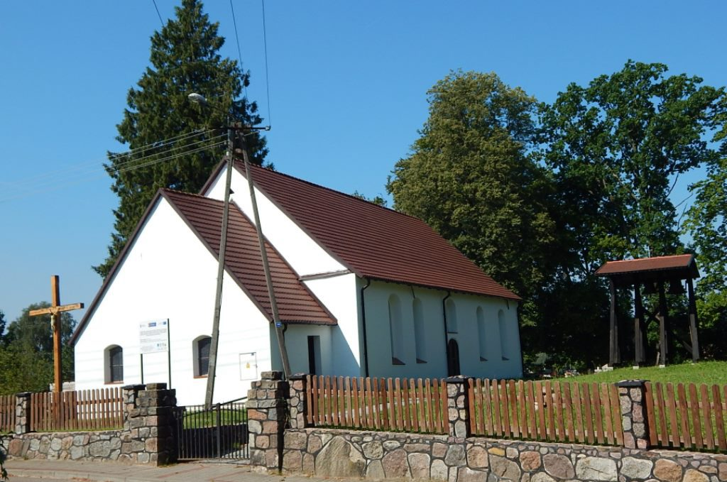 Zabytkowy kościół w Pietrzykowie