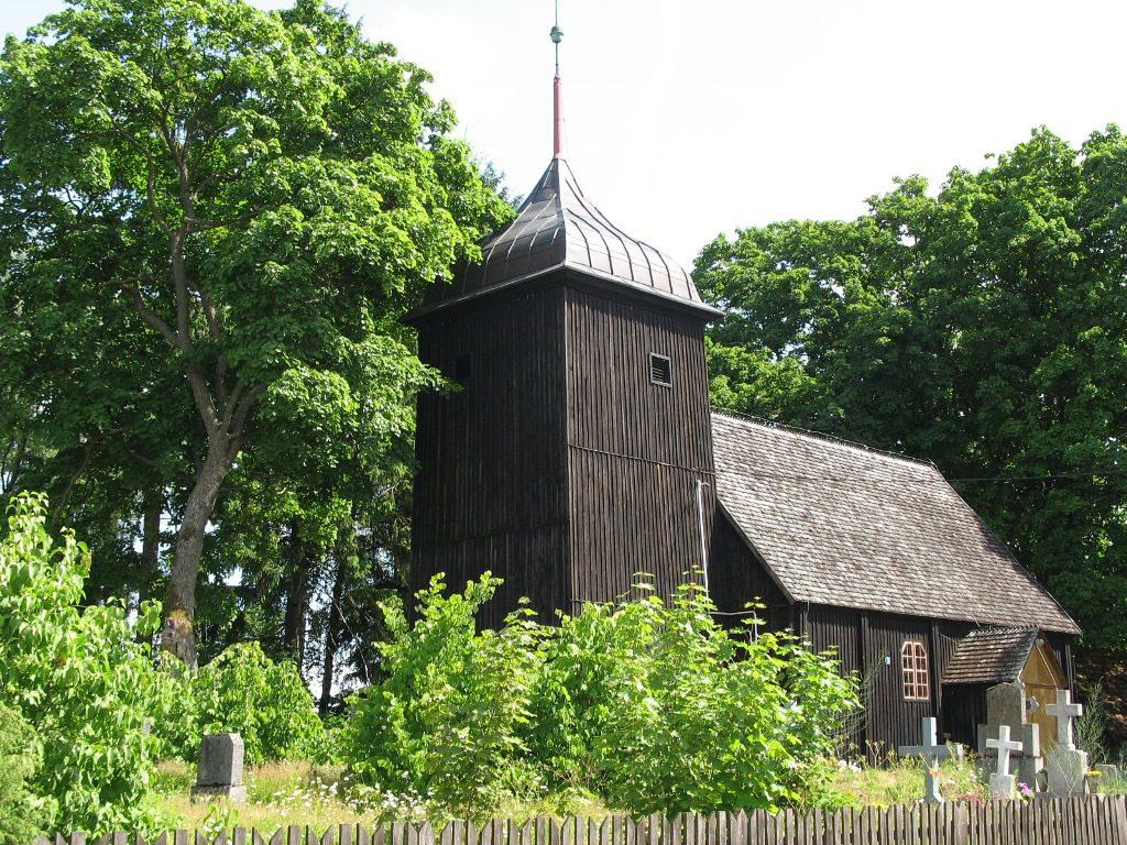 Zabytkowy kościół w Starznie